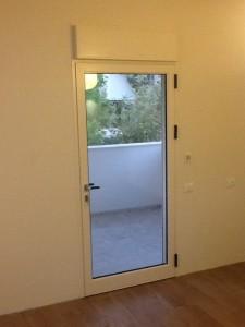 הדלת למרפסת בחיפה